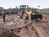 إزالة تعديات على أراضى زراعية وضبط دقيق مدعم بثلاث محافظات