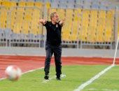 لاعبو الأهلى والجهاز الفنى يكرمون لاسارتى بعد الإقالة