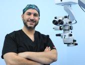 أنواع عمليات زراعة عدسات العين متعددة.. الدكتور أحمد المعتصم يوضح