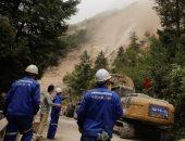 فرق الإنقاذ الصينية تنتشل 4 جثث بموقع انهيار صخور بجنوب غرب الصين