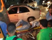 """صور.. فريق التدخل السريع بـ""""تضامن القليوبية"""" ينقل مشردا بشبرا لإحدى دور الرعاية"""