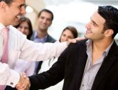 ثقف نفسك واتكلم بوضوح.. 5 نصائح لكسب احترام الآخرين