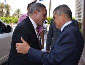 محافظ الإسماعيلية يهنئ رئيس هيئة قناة السويس الجديد ويهديه درع المحافظة..صور
