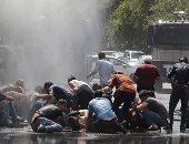 صور.. الشرطة التركية تفرق محتجين على استبدال رؤساء البلديات الأكراد