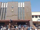 مسئولو النقل يطالبون بتنظيف واجهة محطة قطار أسيوط