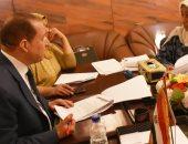 نائب محافظ أسوان يستمع لشكاوى 75 مواطناً ضمن اللقاء الأسبوعى