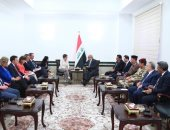 رئيس وزراء العراق لوزيرة الدفاع الألمانية: نعمل على حصر السلاح بيد الدولة