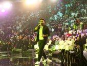 تامر حسنى يتألق فى مهرجان صلالة بعمان ويشكر جمهوره.. فيديو وصور