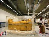 السفير اليونانى الجديد يزور مركز ترميم الآثار بالمتحف المصرى الكبير