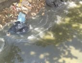 مياه الصرف الصحى تحاصر عمارات سكنية فى العبور ..صور