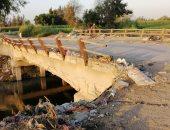 صور.. كوبرى يربط ثلاث قرى بالبحيرة يهدد حياة المارة