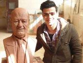 بعد تصدره تويتر.. من هو نحات تمثال الفنان حسن حسنى؟.. صور