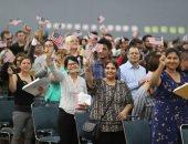 آلاف المهاجرين يؤدون القسم عقب حصولهم على الجنسية الأمريكية