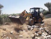 محافظ أسيوط: رفع المخلفات من المراكز ورصف طرق وإزالة تعديات