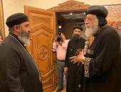 البابا تواضروس يلتقى القس موسى رشدى كاهن الكنيسة بإنجلترا