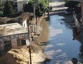 مياه الصرف الصحى تغلق قرية البندرة بمحافظة الغربية.. صورة