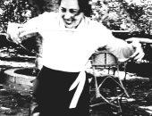 فى ذكرى وفاتها.. أمينة رزق تلعب الكرة.. الجانب الفرفوش من النجمة الراحلة