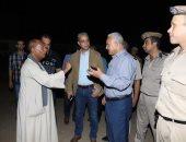 محافظ سوهاج يغلق مقهيين بدون ترخيص ويأمر بإزالة التعديات على طرح النيل