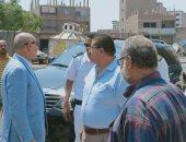 صور.. نائب محافظ القاهرة يتفقد شوارع المطرية لمتابعة مستوى النظافة