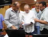 """محافظ كفر الشيخ يوجه بإعادة توزيع """"اللاب توب"""" على العاملين بالديوان العام"""
