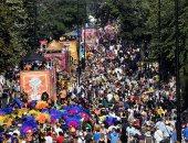 مئات الألاف يشاركون فى كرنفال نوتينج هيل بلندن احتفالا بالثقافة والتنوع