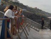 شاهد.. زيارة زوجات بعض زعماء مجموعة السبع لأحد الشواطئ فى فرنسا