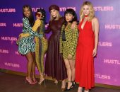 نجوم فيلم Hustlers يجتمعون باحتفالية خاصة فى لوس أنجلوس.. شوف الصور