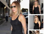 جنيفر لوبيز تظهر بإطلالة أنيقة.. تعرف على سعر حذائها من Alexander McQueen