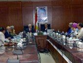 صور.. محافظ الأقصر ورئيس الجامعة يشهدان الجلسة رقم 3 لمجلس الجامعة