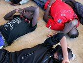 صور.. البحرية الليبية تنقذ 65 مهاجرا قبالة سواحل البلاد