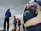 """العالم هذا المساء.. البحرية الليبية تنقذ 65 مهاجرا قبالة سواحل البلاد.. الصيادون فى هافانا ينطلقون إلى البحر لصيد الأسمال المختلفة.. طائر """"الكندور"""" الضخم والأكثر افتراسا فى العالم يتدرب فى حديقة بالدنمارك"""