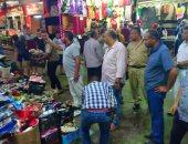صور.. حملة ليلية لإزالة الإشغالات والتعديات بمنطقة سوق ليبيا بمطروح