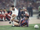 جول مورنينج.. نجم ميلان يسجل هدفا خياليا فى شباك برشلونة 94