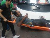 """صور.. """"تضامن الإسكندرية"""" تنقذ مسنا بالشارع وتنقله لإحدى دور الرعاية"""
