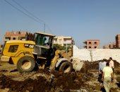 صور.. حملات إزالة للتعديات على الأراضى الزراعية بمدن الجيزة