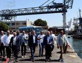 رئيس الوزراء يتفقد مشروع إنشاء جراج متعدد الطوابق بميناء الإسكندرية
