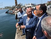 صور.. رئيس الوزراء يتفقد ميناء الإسكندرية