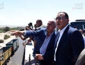 رئيس الوزراء يتفقد محور 54 الرابط لميناء الإسكندرية بالطريق الساحلى