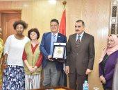 وفد صندوق الأمم المتحدة للسكان واليونسيف فى أسيوط لبحث جهود حماية الطفل