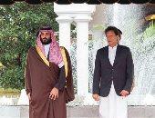 الأمير محمد بن سلمان ورئيس وزراء باكستان يستعرضان العلاقات بين البلدين هاتفيا