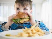 بيهتموا بملف التغذية.. حظر إعلانات الوجبات السريعة للأطفال بالبرتغال