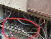 لوحة كهرباء مكشوفة تهدد حياة سكان شارع رئيسى بالألف مسكن