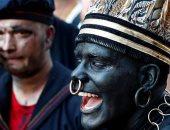 """من 600 عام بلجيكا تحتفل بمهرجان """"الوجه الأسود"""".. اعرف حكايته"""