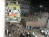 """صور.. محافظ الدقهلية: المقاولون العرب يخلون منزل """"ميت العامل"""" المنهار"""