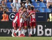 ألميريا يحسم ديربي الأندلس ويقفز لوصافة دوري الدرجة الثانية الإسباني