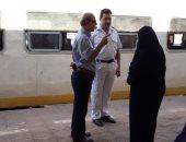 صور.. رئيس شركة السكة الحديد للخدمات يتابع أعمال النظافة بمحطة بورسعيد