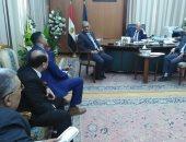 """محافظ الدقهلية يلتقى مسئولى """"المصرية للاتصالات"""" لمناقشة التحول الرقمى"""