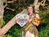 """بريطانية أم لطفلين تقرر الزواج من شجرة وتغير اسم عائلتها لـ""""الدر"""""""