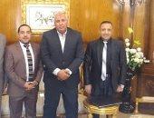 محافظ الوادى الجديد يلتقى الرئيس التنفيذى لموسعة جينيس فى مصر