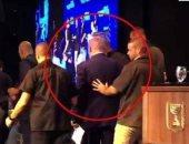 شاهد.. لحظة هروب بنيامين نتنياهو من تجمع انتخابى بعد تعرضه لقصف صاروخى